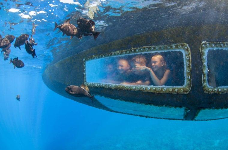 Children In The Submarine